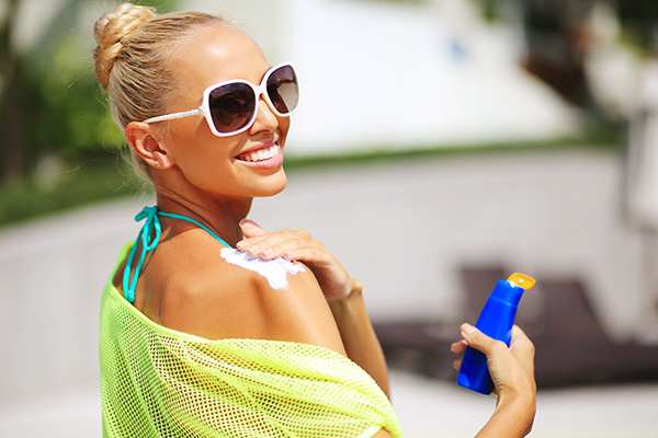 Beat Summer Rays With Sizzling Sunscreen Packaging Featured Image