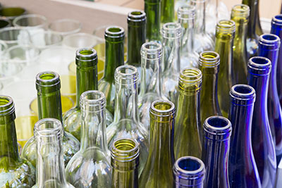 Glass bottles come in various colors and sizes, depending on your specific needs.